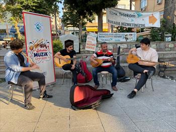 Beykoz'da Sokak Sanatçıları Konserleri  (2).jpeg